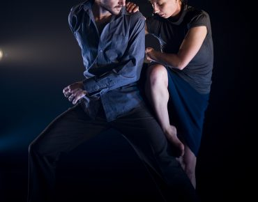 Ben Duke and Petra Soor in I Am Falling (c) Bill Knight